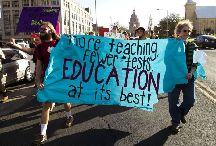 Education-not-testing-chicago-protest